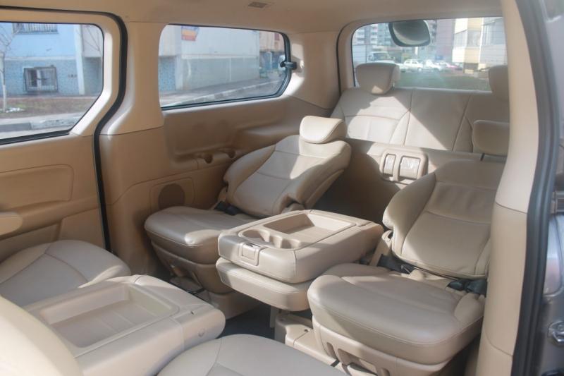 Комфортабельный салон с функциональными сидениями