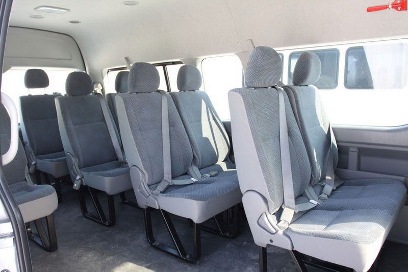 Пассажирские сидения микроавтобуса